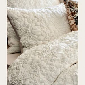 Anthropologie Piaza Ivory Textured Pillow Sham New